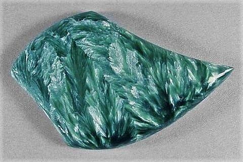 Камень Серафинит натуральный