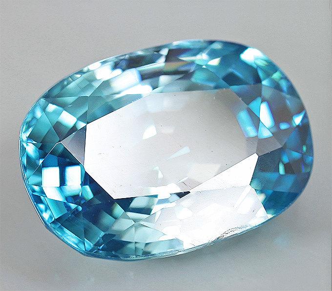 Драгоценный камень циркон