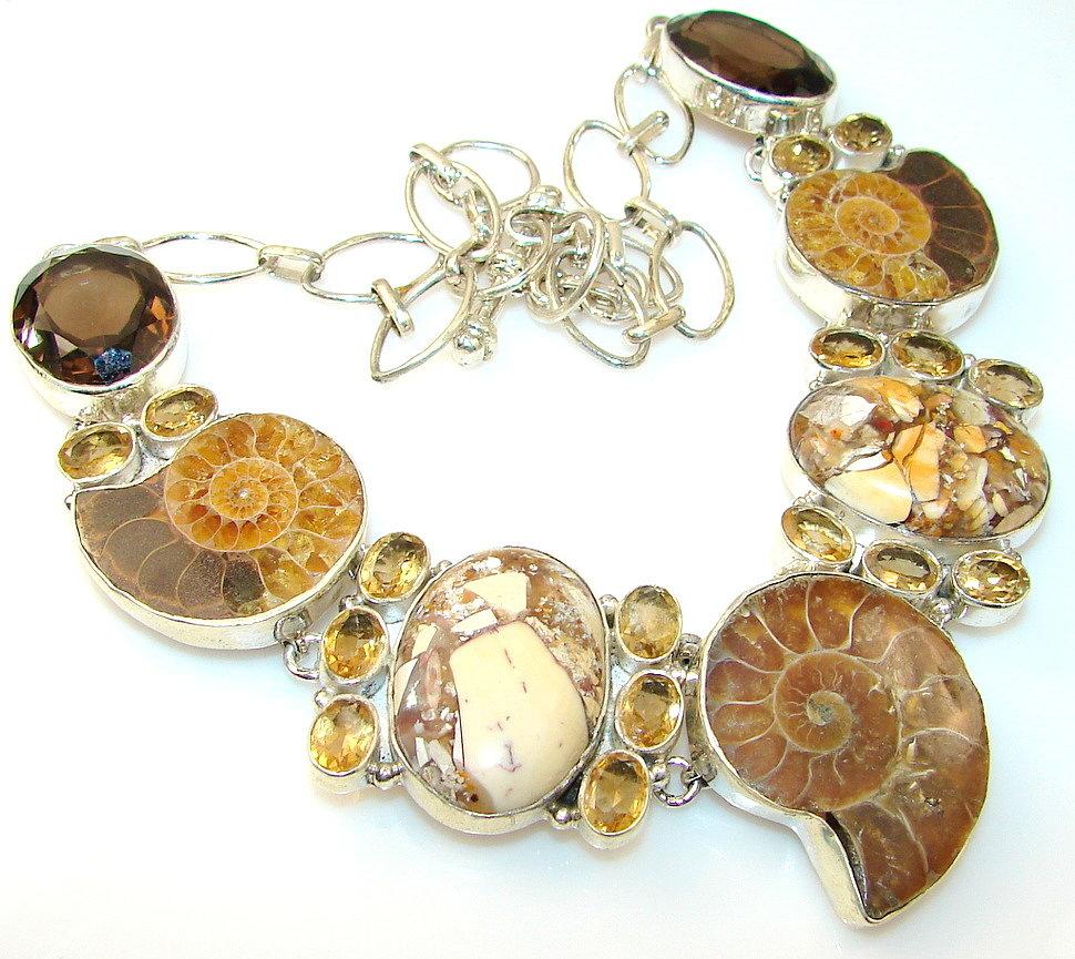 Ожерелья с аммонитами